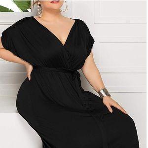 🆕NWOT Plus Size 2X Chic Black Maxi Dress